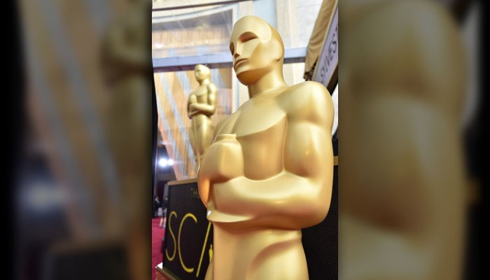 Oscars present evening of surprises, controversy